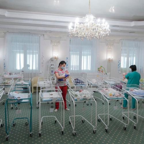 Surrogate births in Ukraine waiting for their parents