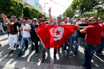 Tunisia labour union rejects Saied power grab, widening opposition
