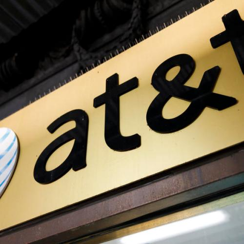 AT&T plans to cut thousands of jobs, close stores