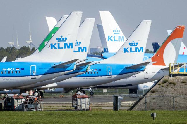 KLM pilots reject Dutch govt's wage freeze demand
