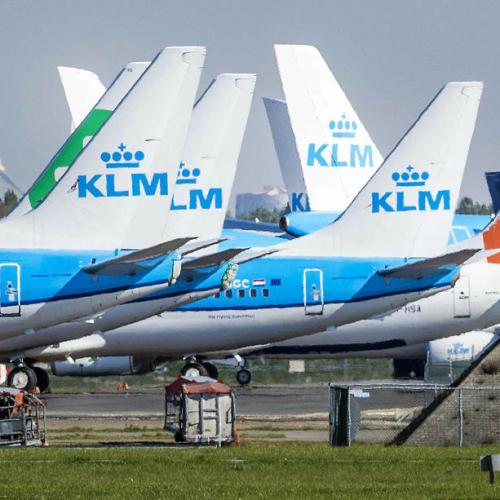 KLM pilots reject Dutch govt's wage freeze demand