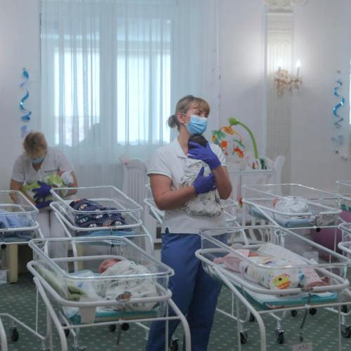 Foreigners allowed into Ukraine to get surrogate-born babies