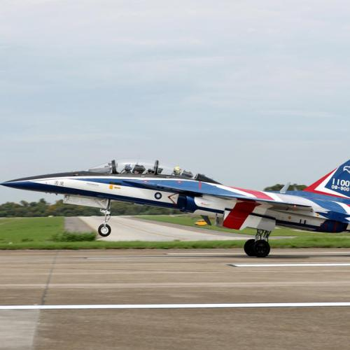 Photo Story: Test flights begin of self-made advanced jet trainer in Taiwan