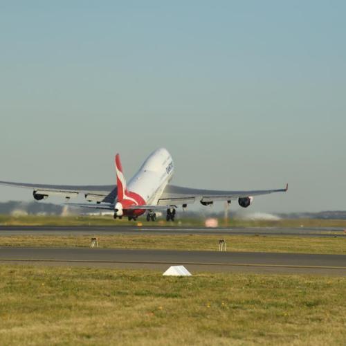 Last Qantas 747 departs Sydney for Mojave retirement