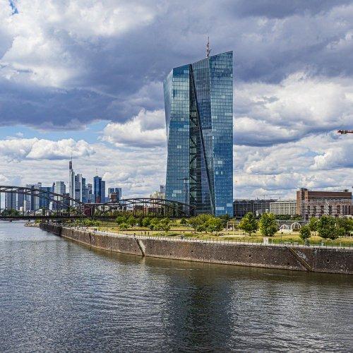EU recovery plan will stimulate mergers between European banks – Santander