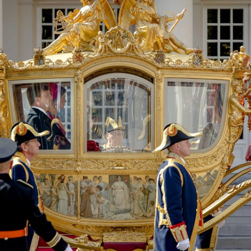 Dutch king may stop using carriage celebrating colonial past