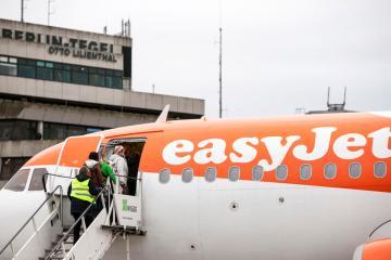 Travelisback, UK's easyJet says after $1.5 billion pandemic loss