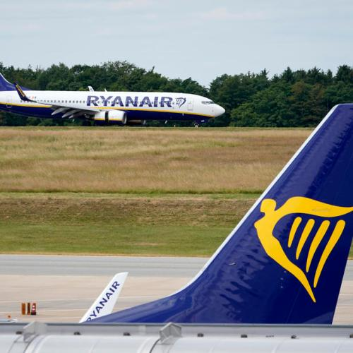 Ryanair to close German bases after pilots reject pay cut