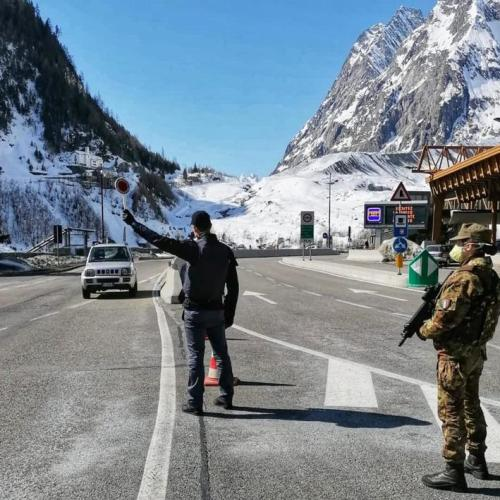 Courmayeur evacuated as huge chunk of ice threatens to break away