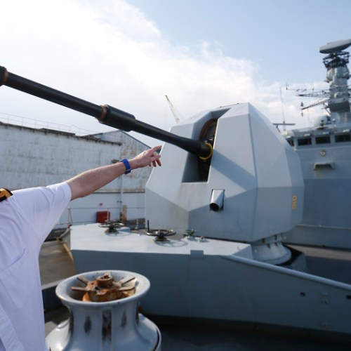 Royal Navy to send ships to Ukraine to defend itself against Russian threat