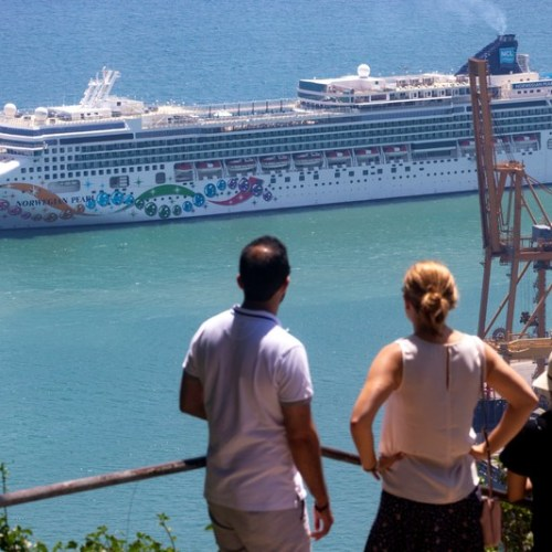 Norwegian Cruise Line posts bigger-than-expected loss on pandemic hit
