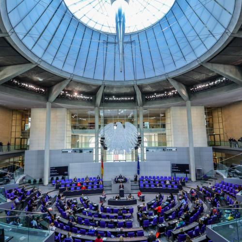 Germany agrees to stop the Bundestag from ballooning in size