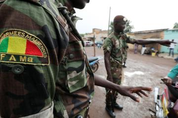 Mali soldiers promise civilian transition after president's ouster