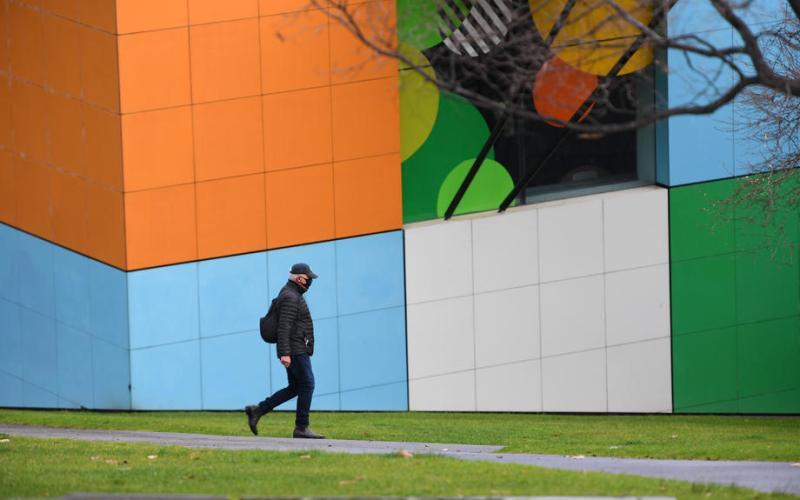 Australia's daily COVID-19 cases near 2,000 as Delta gains ground