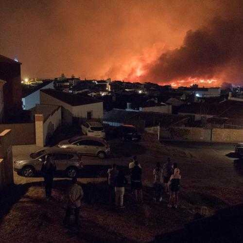 Photo story: Hundreds of residents evacuated due to forest fire in Spain