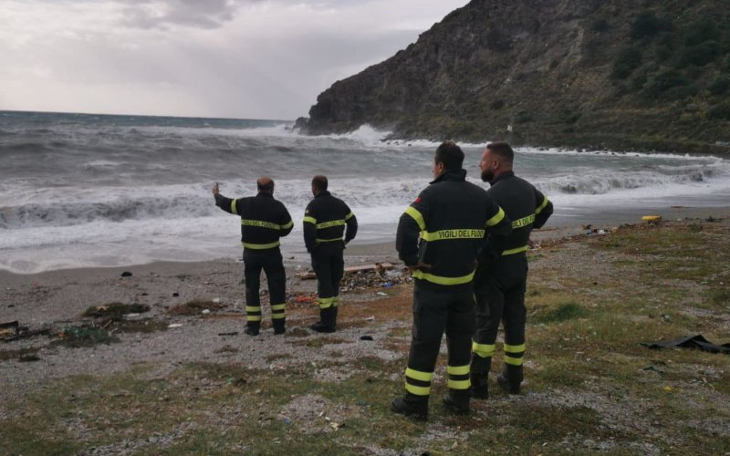Italian coast-guard official dies while saving two boys at sea in Milazzo, Sicily