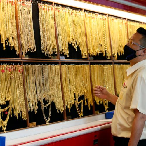 Gold price remains steady