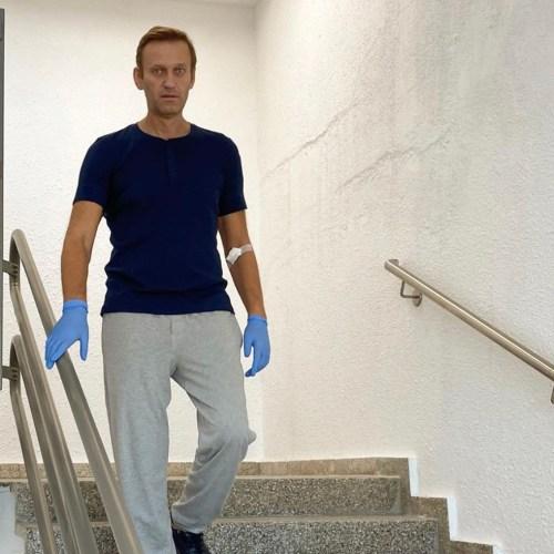 Navalny posts 'recovery' update