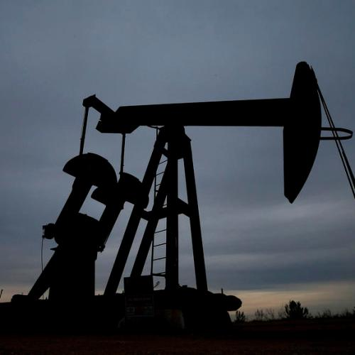 IEA sees oil market stuck between no major slowdown but stalled recovery