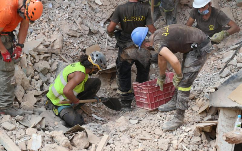 Hope – Rescue workers searching for life in Beirut's rubble