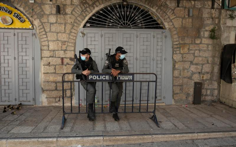 Israel tightens coronavirus lockdown as infections rise