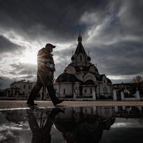 Kremlin says Russian healthcare under 'maximum' pressure due to COVID-19