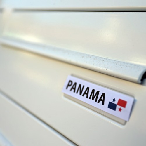 Germany issues warrants for Panama Papers lawyers