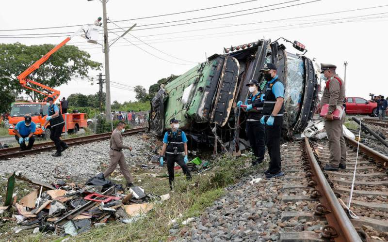 20 die after train collides with bus in Thailand