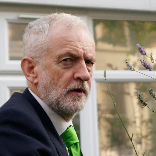 Corbyn readmitted to UK Labour