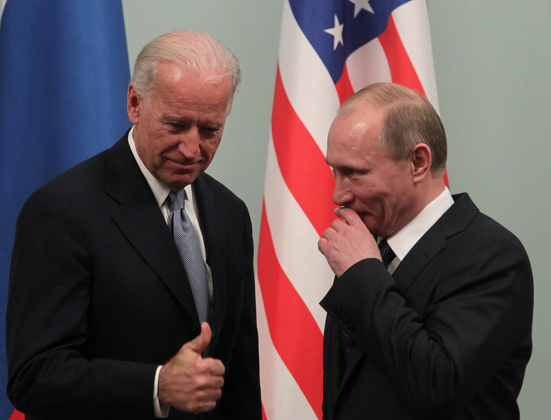 Biden urged to extend U.S.-Russia arms treaty for full 5 years without conditions