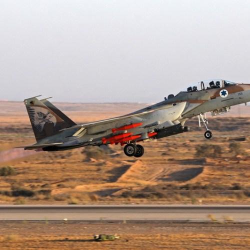 Israeli warplanes strike Syrian army, Iranian Quds force in Syria