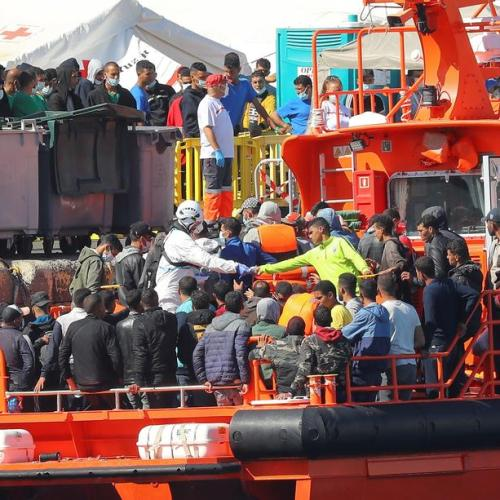 Wave of migrant arrivals leaves 2,000 stranded at Gran Canaria dockside camp