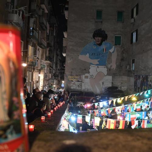 Maradona – Naples weeps death of its hero