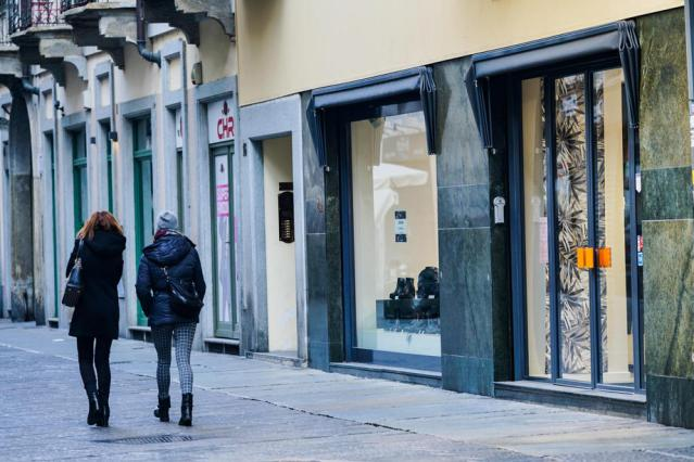 Italy loosens COVID restrictions in five regions, including Lombardy