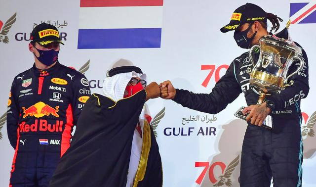 Hamilton wins crash-marred Bahrain Grand Prix