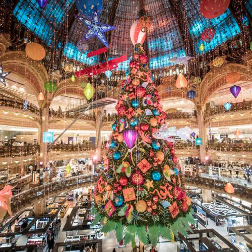 Photo Story: Christmas tree at the Galeries Lafayette in Paris