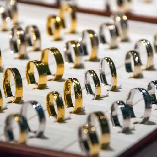 Gold prices slip as vaccine progress dents bullion's appeal