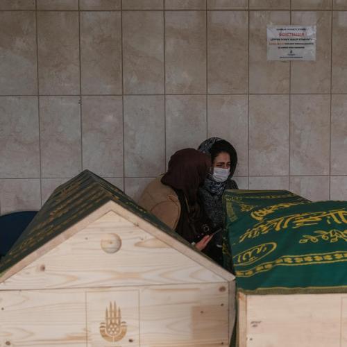 Turkey in weekend lockdown as coronavirus cases hit record highs