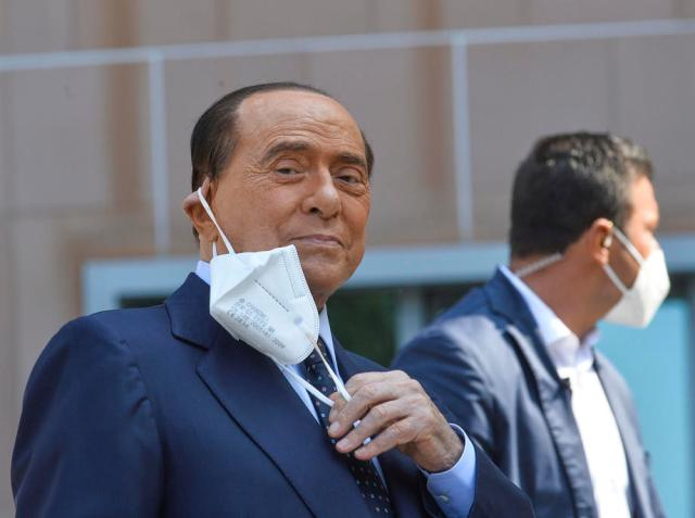 Berlusconi puts Italian government in trouble over EU bailout fund