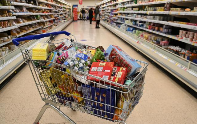 UK retailers face tariffs for re-exporting goods to EU, trade body says