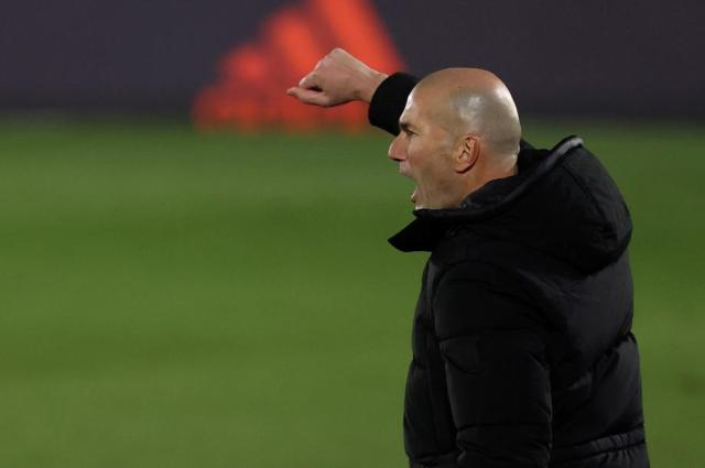 Zidane in isolation due to contact's COVID positive