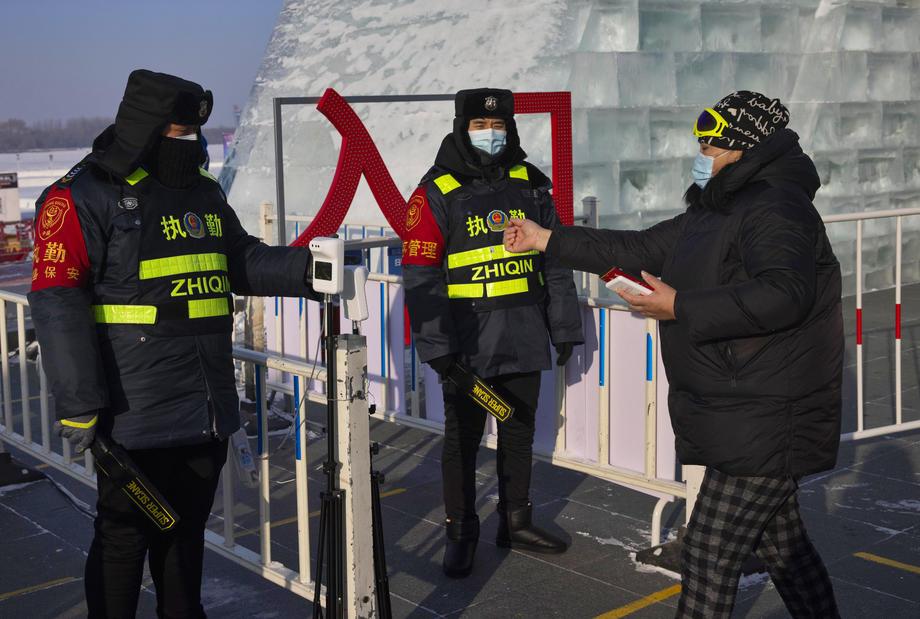 """China: Lockdown löst """"Chaos und Panik"""" aus Lebensmittelpreise schnellen um 50% in die Höhe"""