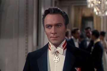 Christopher Plummer, Sound of Music's Captain Von Trapp dies at 91