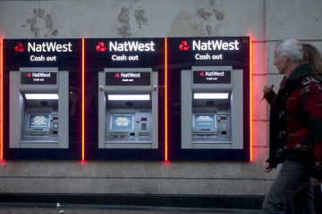 Britain unveils plan to return NatWest to majority private control