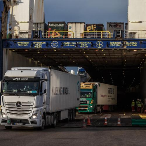 More than a fifth of small UK exporters have temporarily halted EU sales