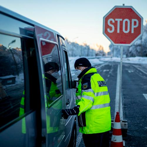 Germany tightens border controls