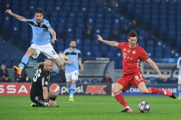Holders Bayern on brink of CL last eight; Chelsea win at Atletico