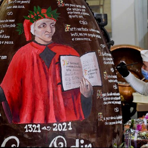 Photo Story: Record breaking Easter egg dedicated to Dante Alighieri in Naples