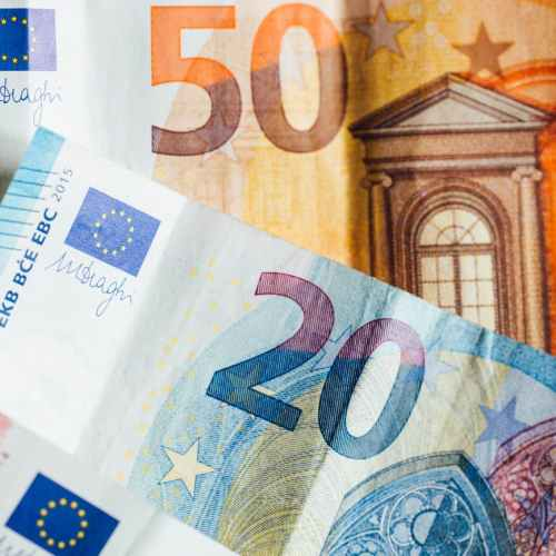 Euro zone investor morale rises to highest level since March 2018