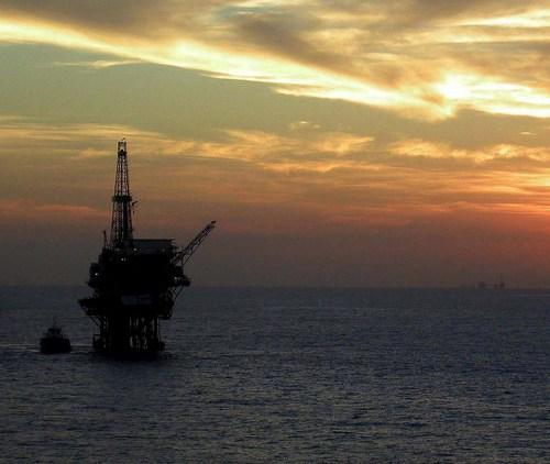 Oil prices reach $70 as economic optimism grows